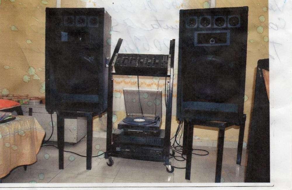 vendo equipo de sonido completo