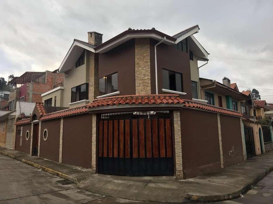 Vendo Casa de 5 departamentos en Las Pencas 178000 negociable