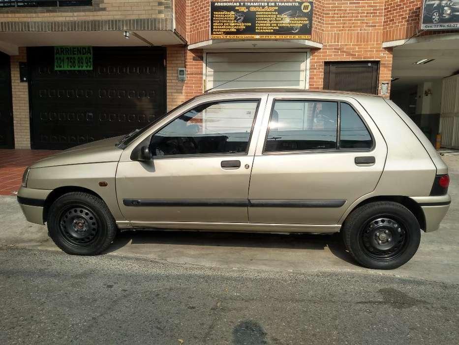 Renault Clio  2000 - 230000 km