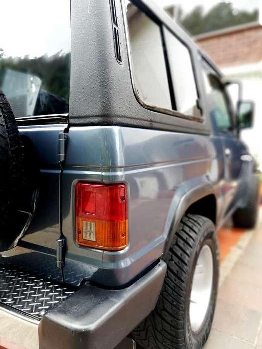 Mitsubishi Montero 1986 - 240000 km