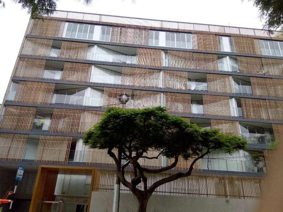 Dpto Flat 401 Cerca a C. Markham, C. Pestalozzi y Parque en Miraflores