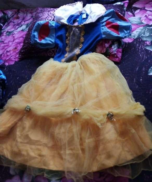 Disfraz de Blanca Nieves-una Postura