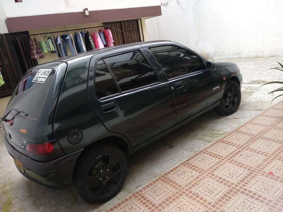 Renault Clio  1997 - 120000 km