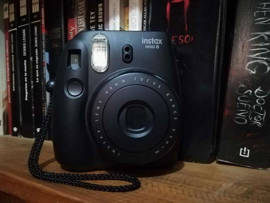 Vendo Instax Mini 8 excelente estado