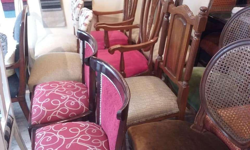 <strong>silla</strong>s MEDALLON con respaldo esterillado / restauradas 4000 pesos cada una