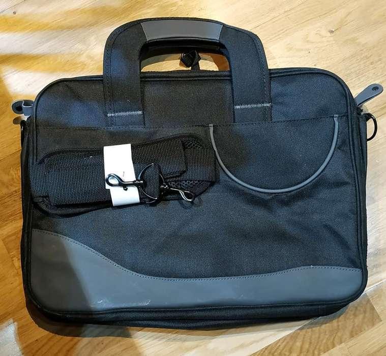 Maletines para notebook, en negro es nuevo, el uniform usado