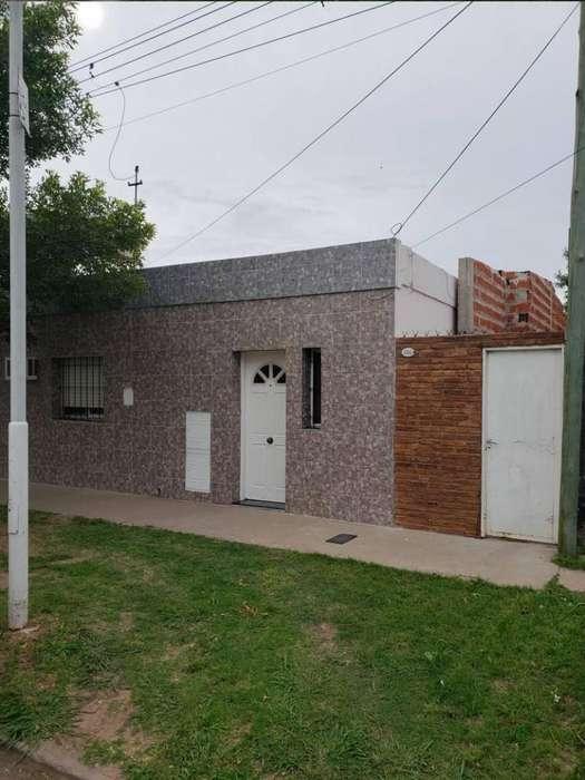 Vendo casa 1 dormitorio con patio en Villa Constitución