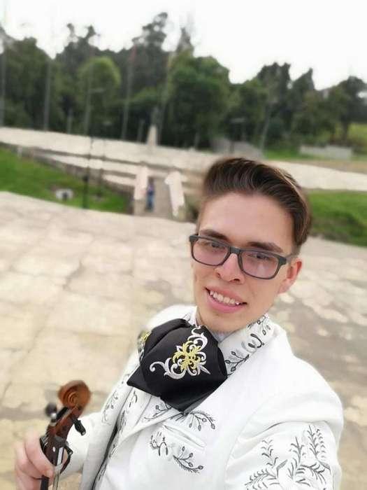 Sergio Bedoya y su mariachi