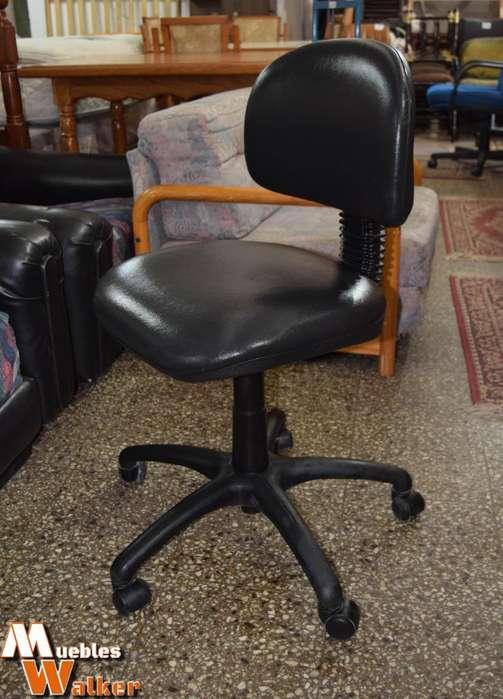 <strong>silla</strong> giratoria de oficina tapizada en cuerina
