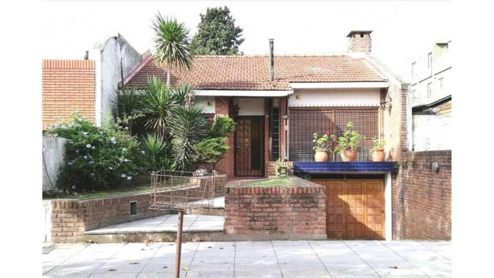 Viamonte 1700 - UD 240.000 - Casa en Venta
