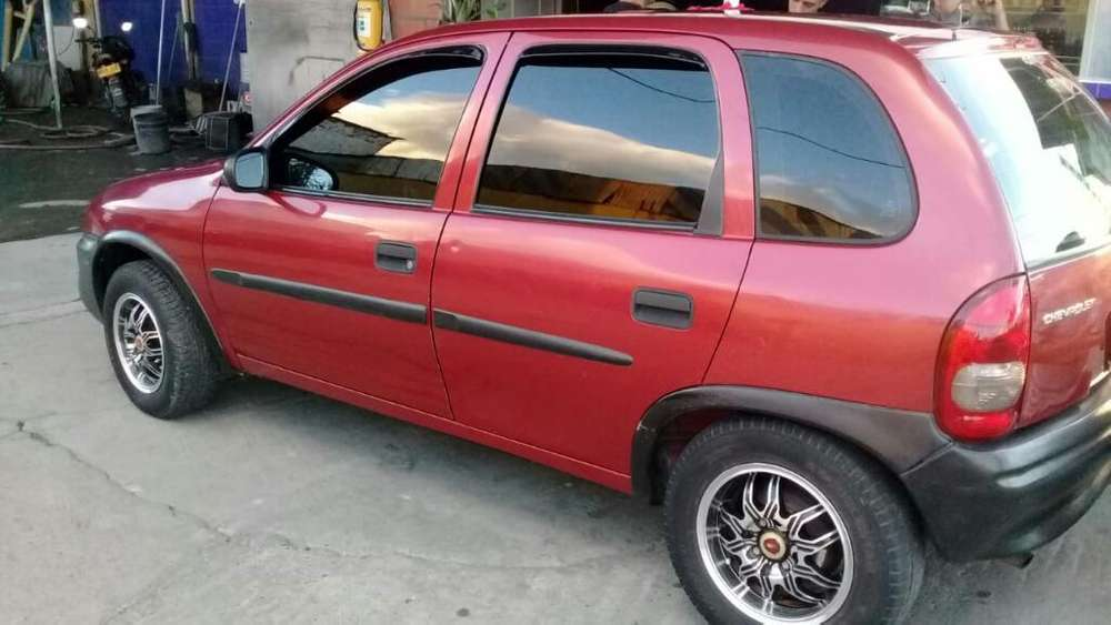 Chevrolet Corsa 4 Ptas. 2000 - 219000 km