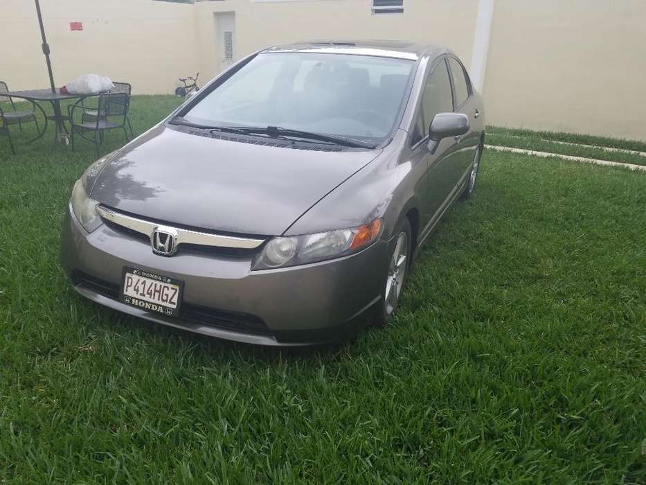 Honda Civic 2008 - 128000 km