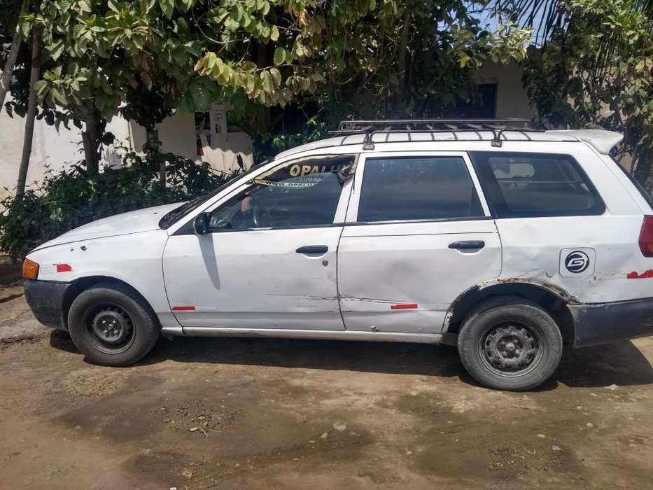 Vendo Nissan AD 2001