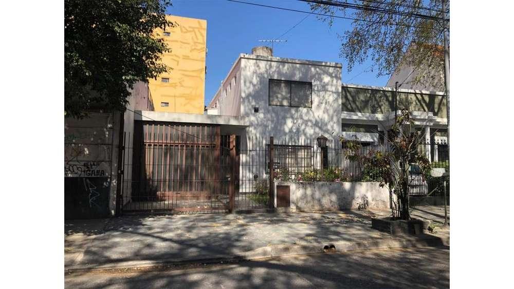 Lincoln 3600 - UD 295.000 - Casa en Venta