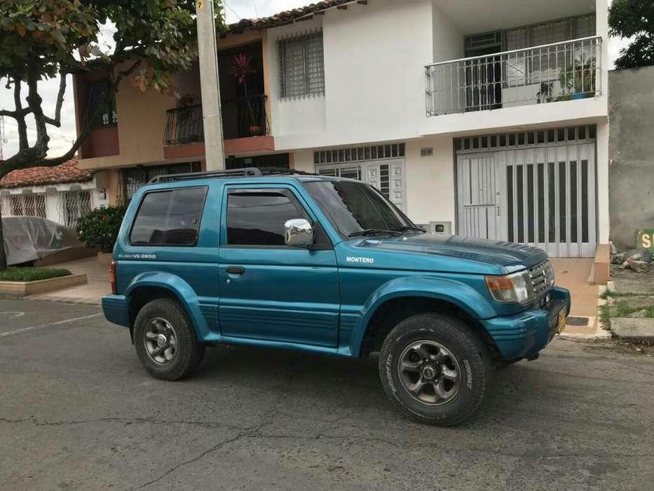Mitsubishi Montero 1995 - 180000 km