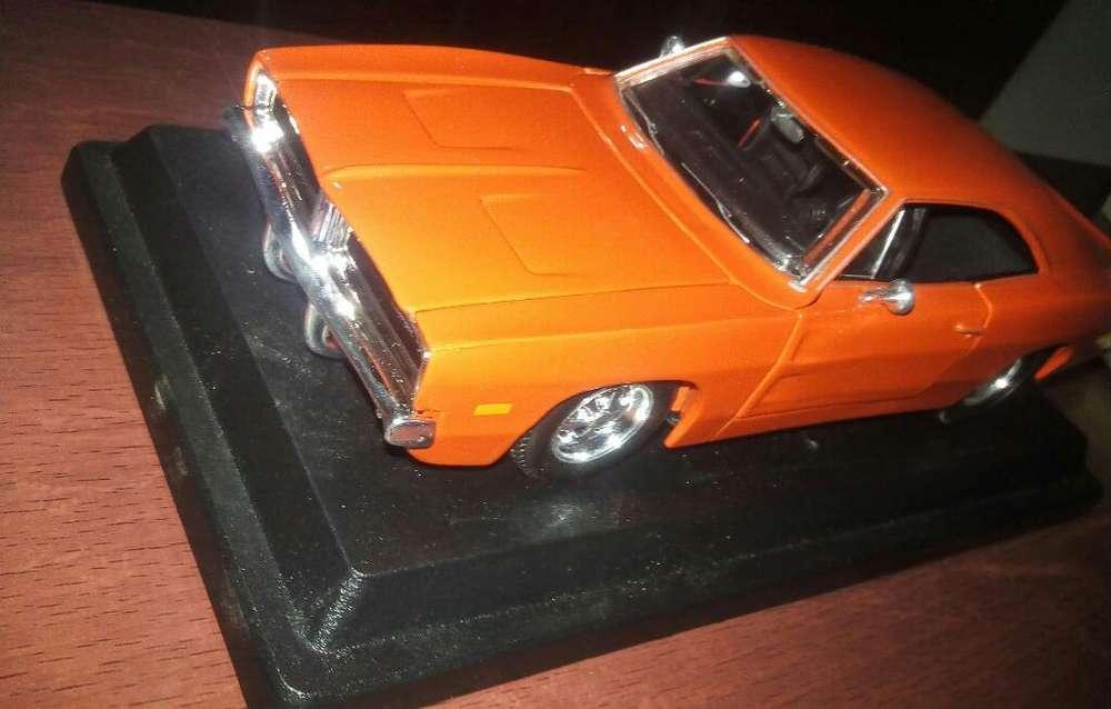 Dodge Charger a Escala
