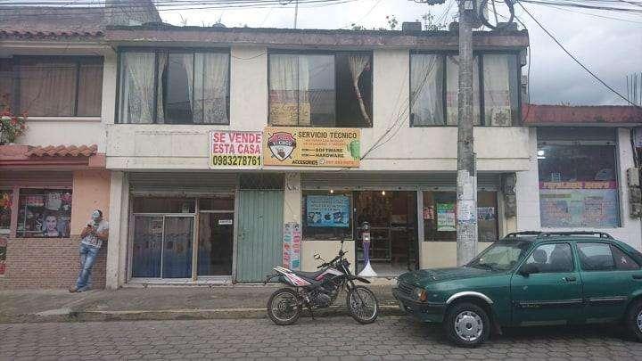 Se vende Casa de 2 pisos en Uyumbicho