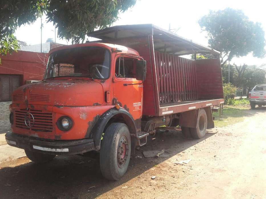 Mercedes Ben 1114