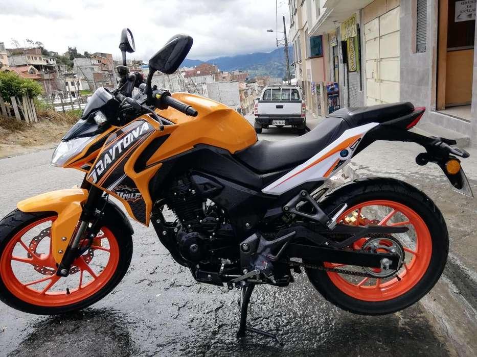 se vende una moto daytona wolf año 2019
