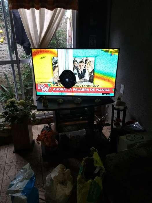 <strong>televisor</strong> con Detalle P Y Mesay Dvd