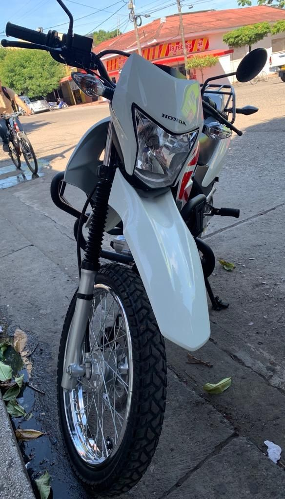 Honda Xr 150l 2020 2 Meses De Uso 1500km Ibague