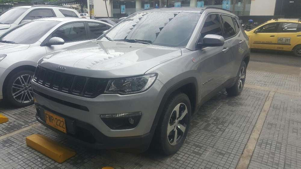 <strong>jeep</strong> COMPASS 2019 - 4000 km