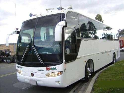 Transporte de pasajeros para viajes turísticos, empresarial o escolar