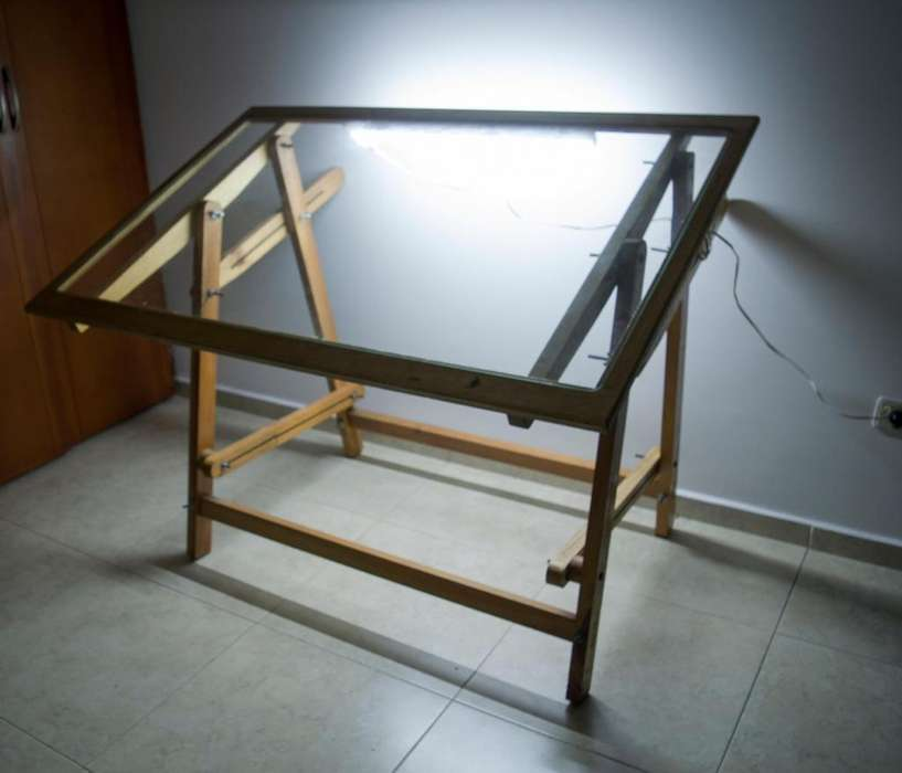 Mesa de dibujo con luz