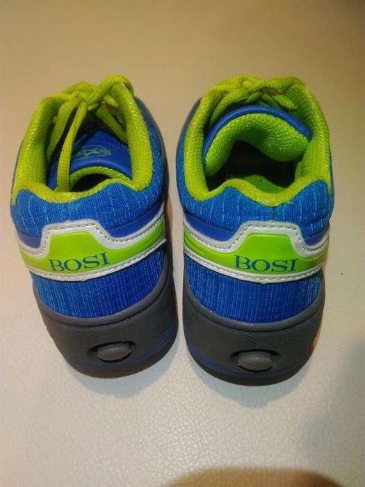 Zapatos (tennis) con Rueda Bosi Talla 30
