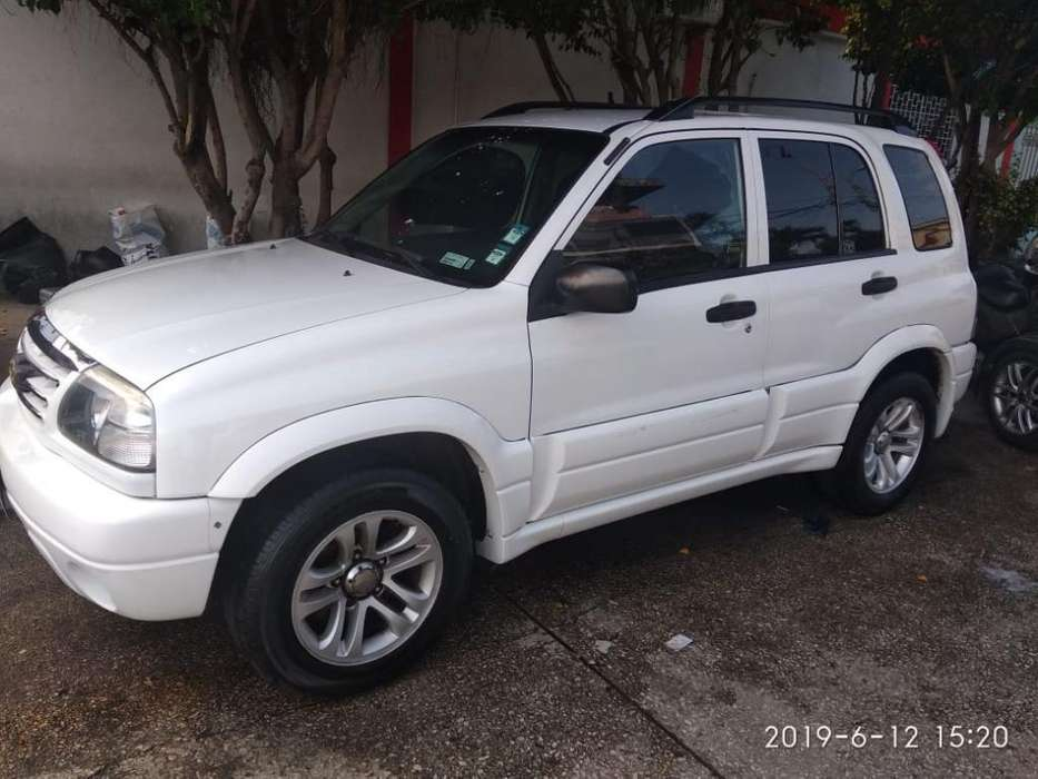 Chevrolet Grand Vitara 2013 - 120000 km