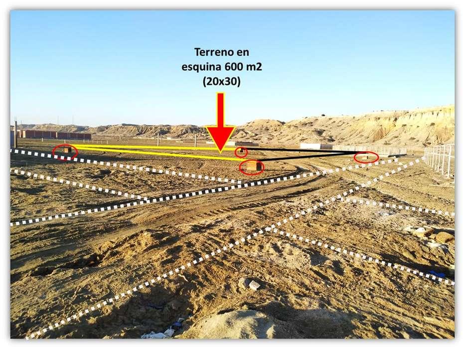 Terreno Playa Colan: Esquina de 600 M2