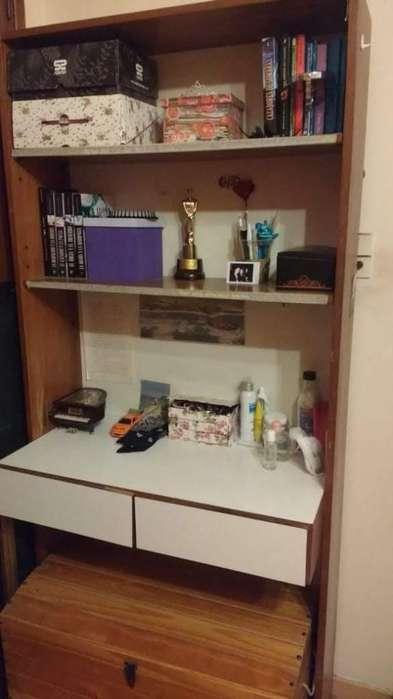 Estantería con <strong>escritorio</strong> dos estantes y dos cajones madera de excelente