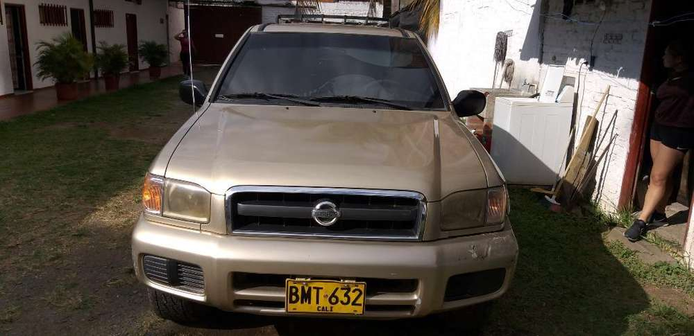 Nissan Pathfinder 2002 - 0 km