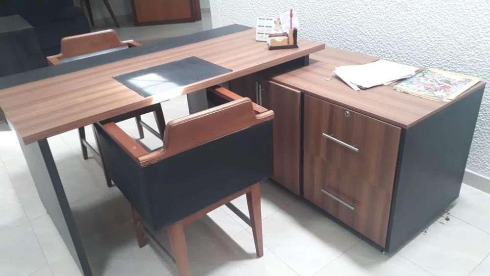 <strong>escritorio</strong> en Madera