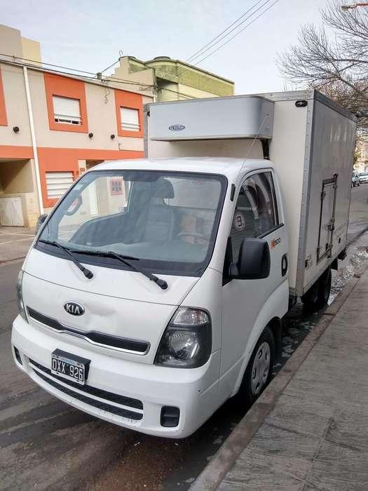 Camion Kia con Caja Y Equipo de Frio