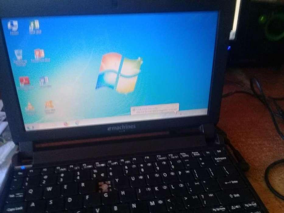 Laptop 1.1 pulgadas 1.66GHz 1gb ram 160discoDuro