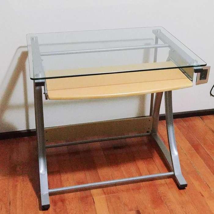 <strong>escritorio</strong> vidrio templado hierro melamina