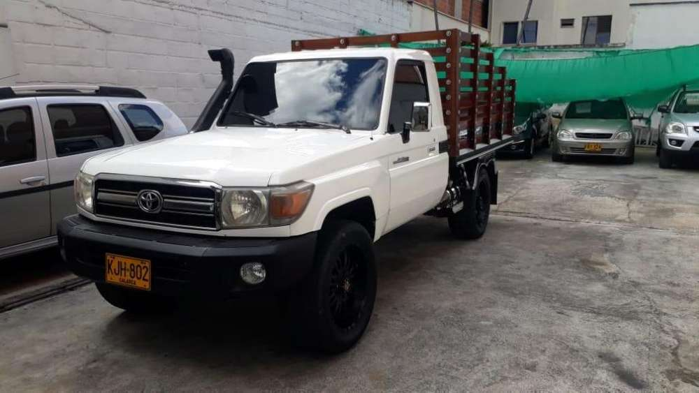 Toyota Land Cruiser 2010 - 121000 km