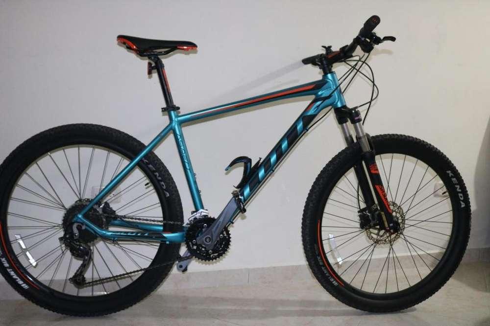 SCOTT ASPECT 720 Bicleta, esta nueva sin ningún rayón