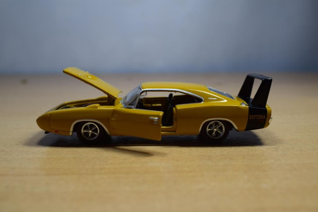 AUTO DODGE CHARGER DAYTONA 440 1969