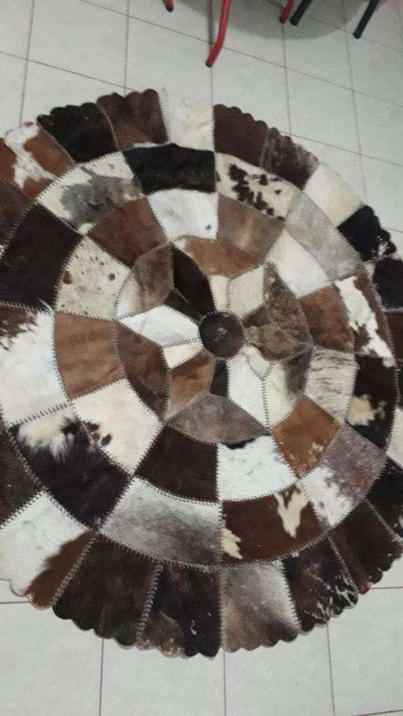 Alfombra Circular Cuero de Vaca 2.1m Dm