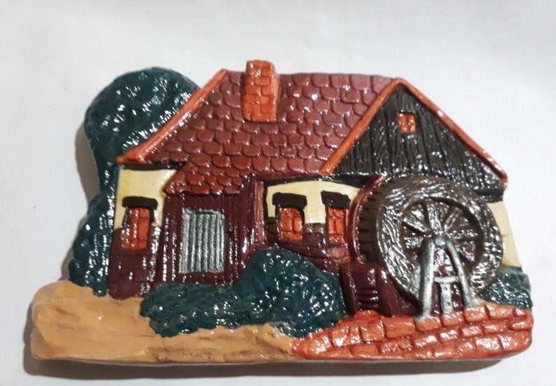 Adorno colgante de yeso: casa con tejas, 80
