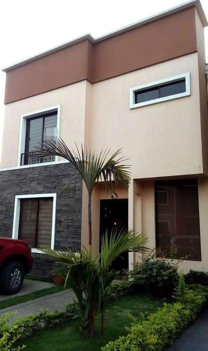 Elegante <strong>casa</strong> Amoblada en Alq Urb Priv.