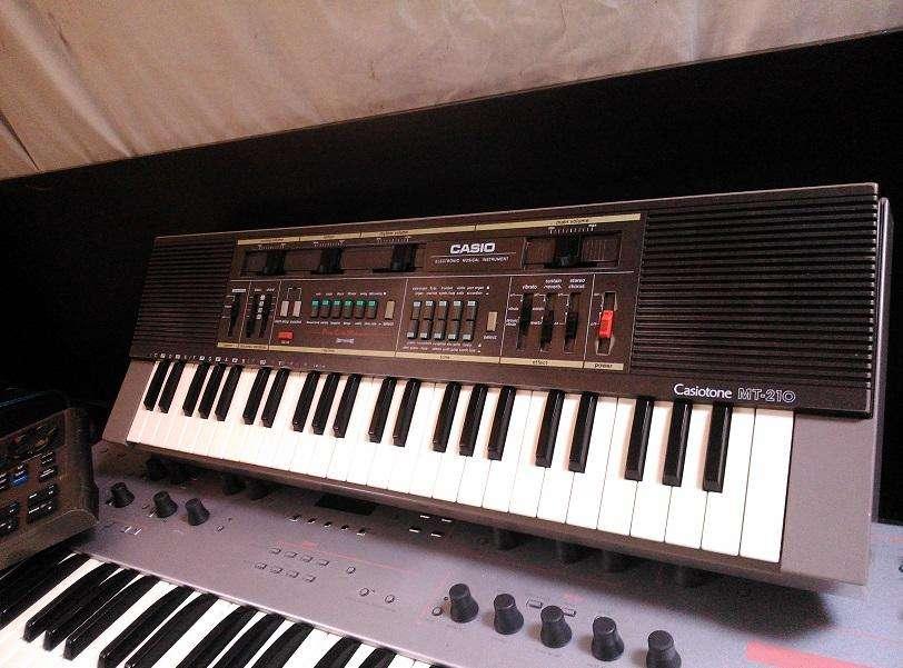 Teclado Casio MT-210 de 1986 4 Octavas/Efectos Chorus delay vibrato