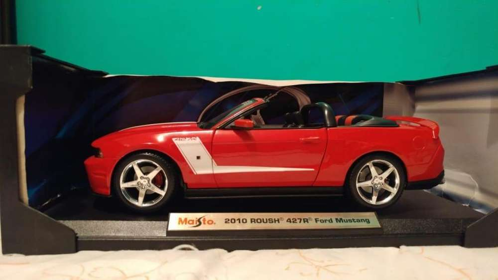 mustang RUSH escala 1:18
