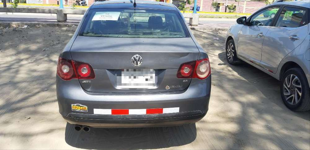 Volkswagen Jetta 2008 - 211478 km