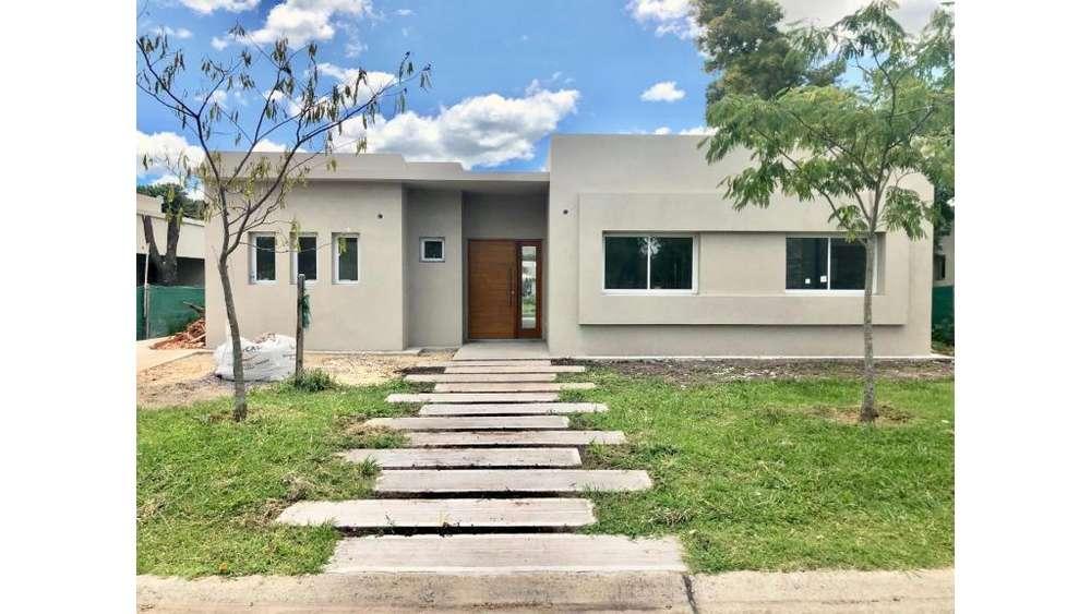 Cpm E Pilar Del Este Lote / N 0 - UD 199.000 - Casa en Venta