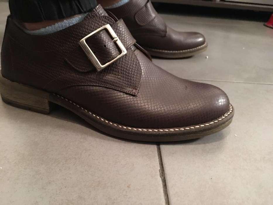 Zapatos en Cuero Talle 42