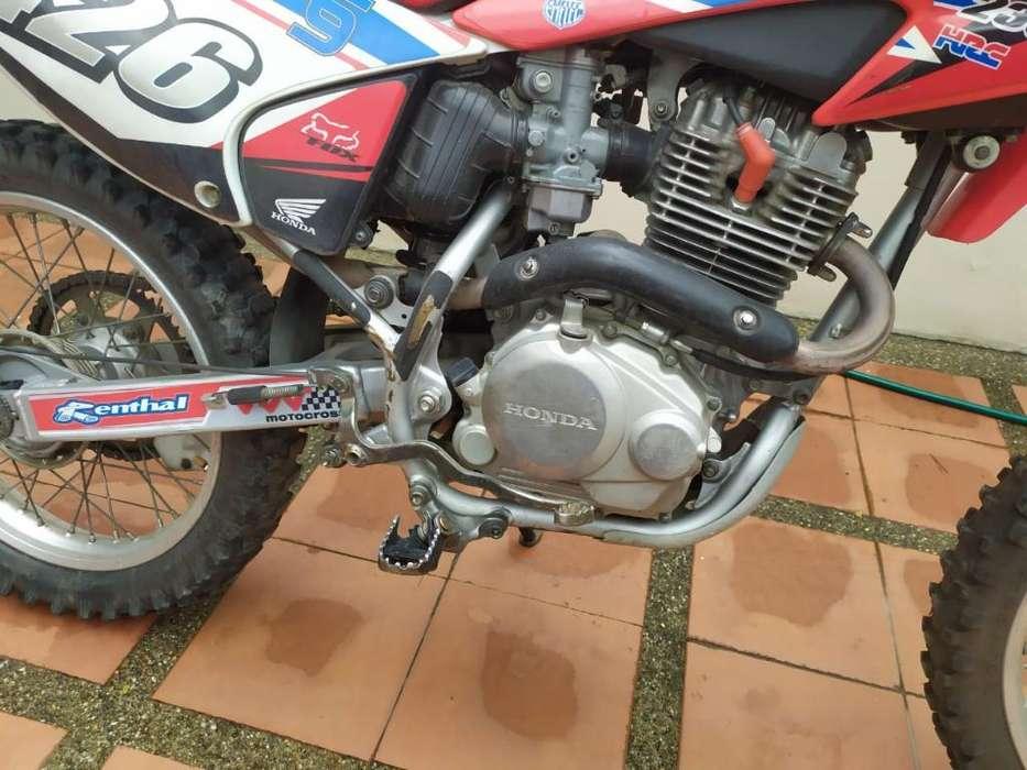 Moto <strong>honda</strong> Crf 230