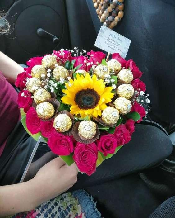 Arreglo Floral Y Personalizado